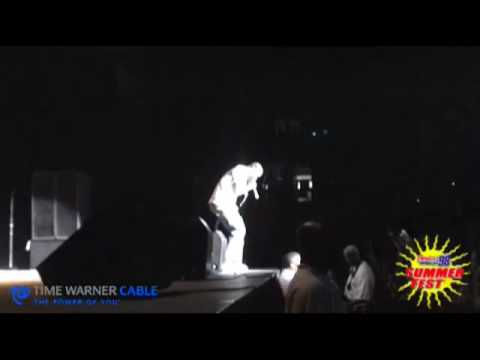 "Power 98: Yung LA performs ""Ain`t I"" at Summerfest 09!"
