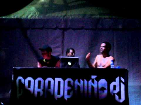 Caradeni�o & kaze playing Vampire Anthem (Xacobeo 10)