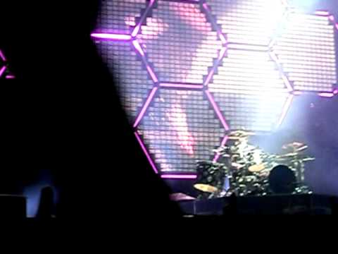 Muse - Plug In Baby live! @ Festival Xacobeo 27/07/10