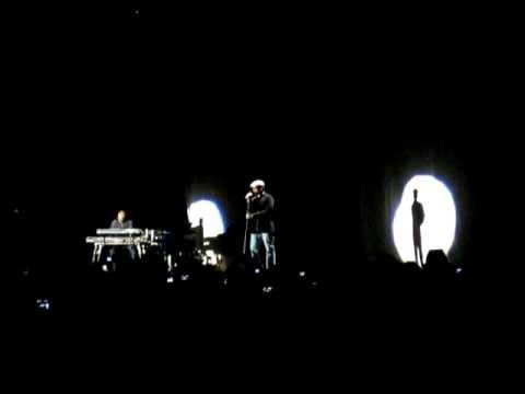 XAVIER NAIDOO live-nr 01 - Mut zur Veraenderung - 04.12.2009 Leipzig live concert in best quality