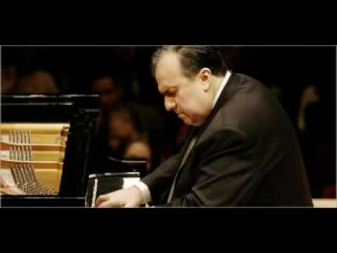 Rachmaninoff Piano Concerto No. 3 - Yefim Bronfman Part 2