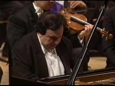 Prokofiev: Piano Concerto No. 1 (2/2)
