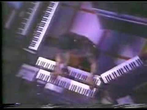 YMO - Cosmic Surfin` (Live in LA 1980)