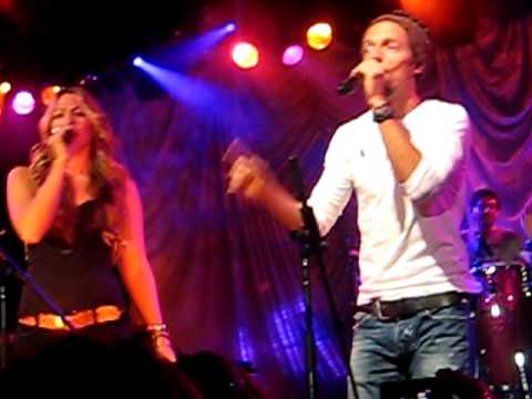 Colbie Caillat and Jason Mraz -- Lucky (Live)