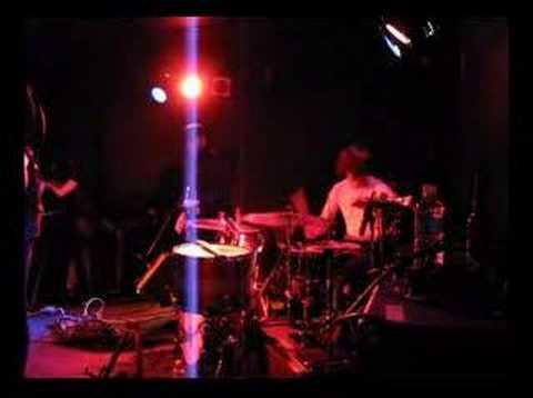 one hand drummer