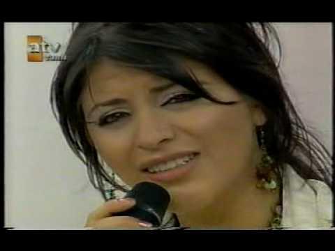 Zara & Orhan Hakalmaz - beyaz giyme
