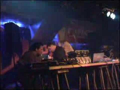 Joint Venture Sound System live 2004 on tour with Zion Train