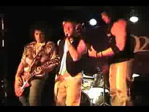 """ZO2 with Chris Barron performing """"Little Miss Can`t Be Wrong"""""""